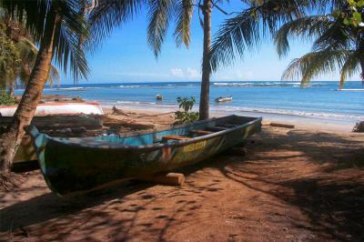 puerto_viejo_boat